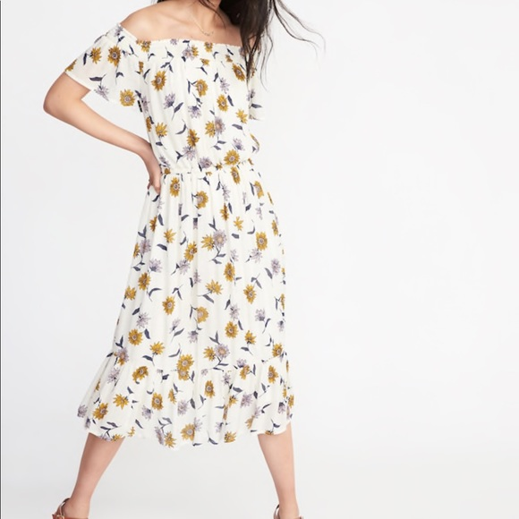 99071c9dcf2 NWT  Old Navy Large Cream Floral Dress